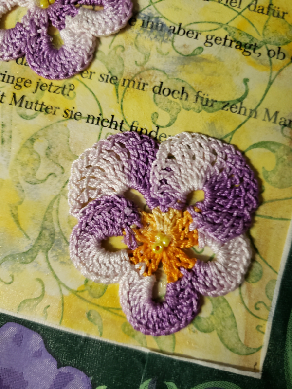 Pansy crochet altered book detail 20200825_050957